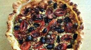 Pizza-sfoglia, greca, torta, salata, feta, pomodori, aerofryer, friggitrice ad aria, priness, princess home, ricetta